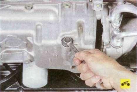 Замена масла в двигателе и масляного фильтра - Форд Фокус 2