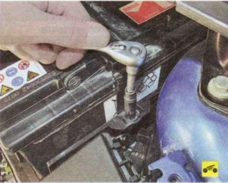 Зарядка аккумуляторной батареи - Форд Фокус 2
