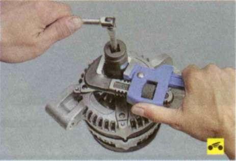 Замена подшипника генератора форд фокус 2