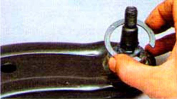 Замена шаровой опоры на акценте своими руками