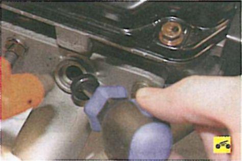 Промывка инжектора своими руками на лансер 9