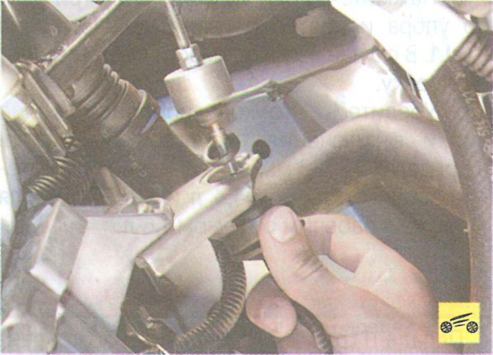 Как поменять сцепление на рено логан своими