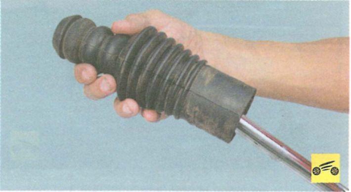 Рено логан передняя стойка ремонт своими руками